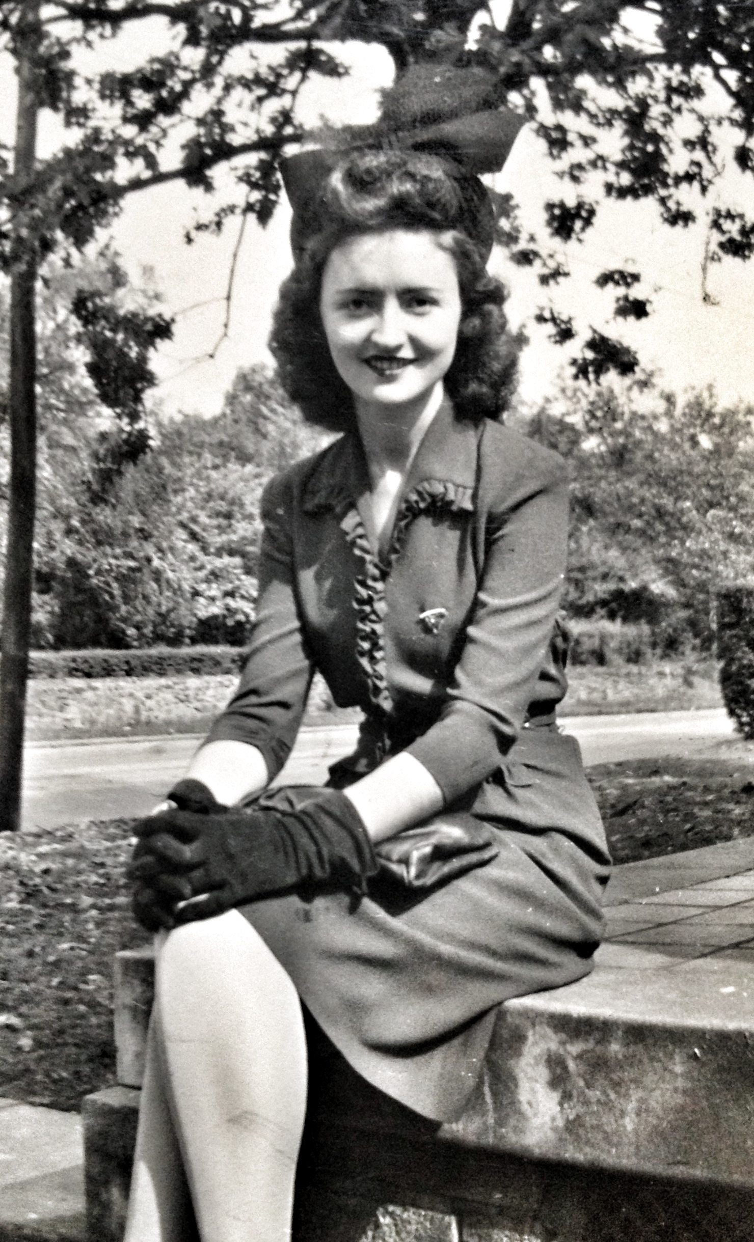 1940, black and white, beauty, grandmother, GM, society dame
